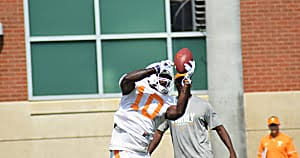Tennessee football: Tyler Byrd battling for spot in wide receiver race